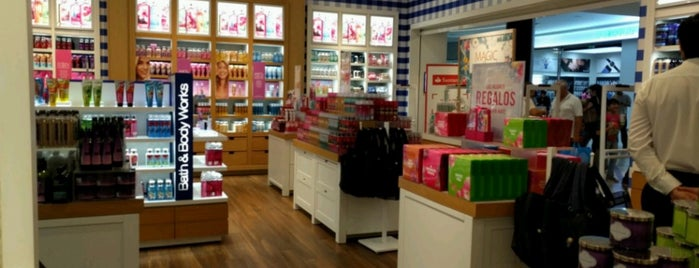 Bath & Body Works is one of Ely 님이 좋아한 장소.