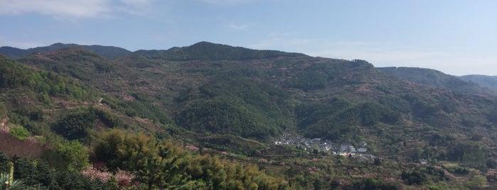 奉化雪窦寺 is one of China.