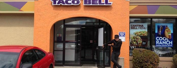Taco Bell is one of Lieux qui ont plu à Garrett.