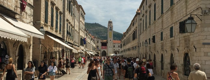 Old Town is one of Dubrovnik.