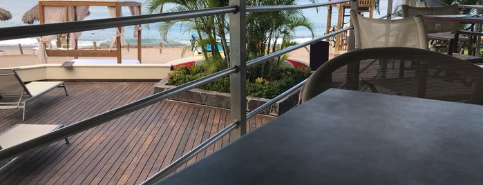 Oceana restaurant is one of Posti che sono piaciuti a Lucy.
