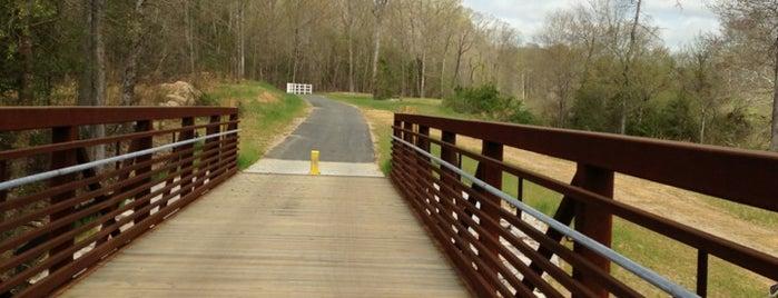Crabtree Creek Trail is one of Gordon'un Beğendiği Mekanlar.