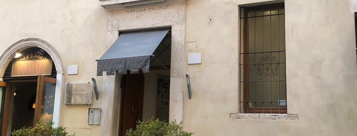 Navona Palace Luxury Inn is one of ROMA.
