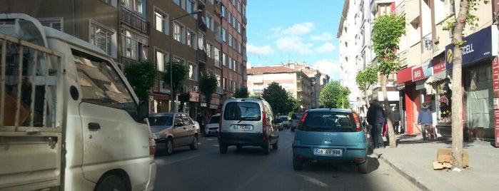 İbrahim Karaoğlanoğlu Caddesi is one of Eskişehir'deki Caddeler.