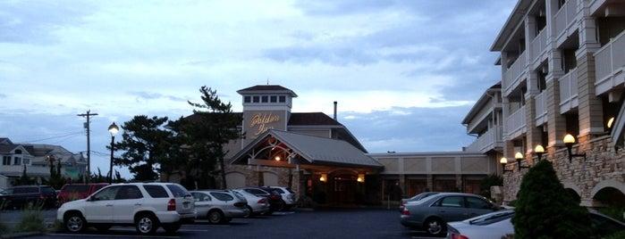 ICONA Golden Inn is one of Posti che sono piaciuti a Brett.