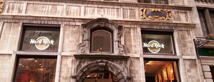 Hard Rock Cafe Brussels is one of Orte, die Aslı gefallen.