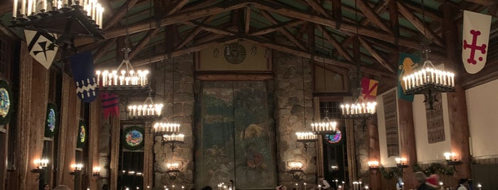 The Majestic Yosemite Dining Room is one of Posti che sono piaciuti a James.