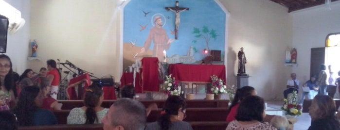 Capela São Francisco de Assis is one of Lugares guardados de Arquidiocese de Fortaleza.