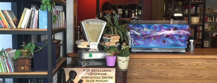 Books & Coffee is one of Kitap-Kahveler İstanbul.
