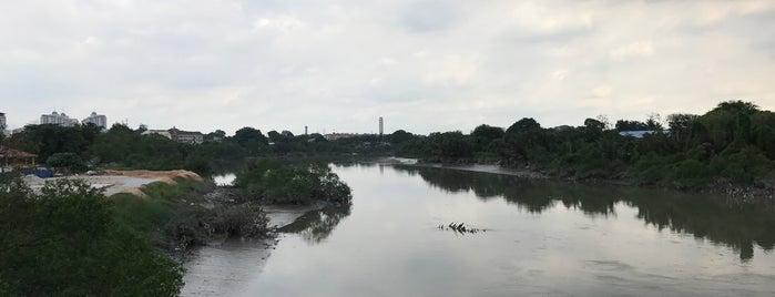 Klang Bridge is one of Dinos 님이 좋아한 장소.