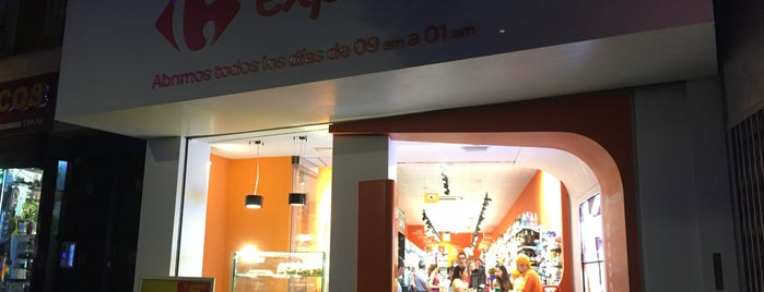 Carrefour Express is one of สถานที่ที่ Miguel ถูกใจ.