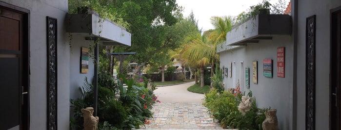 Pandawa Beach Villas & Resort is one of Tempat yang Disukai Kate.