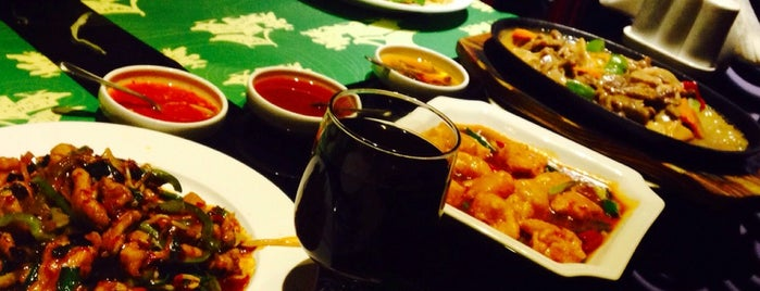 مطاعم درة الصين Durrat China Restaurants is one of Lieux qui ont plu à Abdullah.