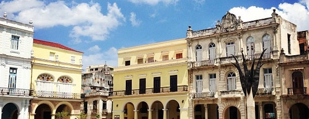 Plaza Vieja is one of La Habana.