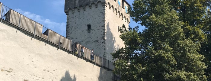 Schirmerturm is one of Locais salvos de Meg.