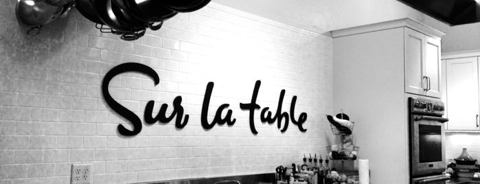 Sur La Table is one of Locais curtidos por Matthew.