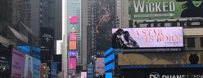 Times Square is one of Posti che sono piaciuti a Mara.