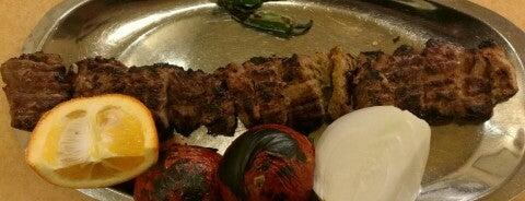 Sahebqaranieh Kabab & Halim   كباب و حليم صاحبقرانيه is one of Aydyn'ın Kaydettiği Mekanlar.