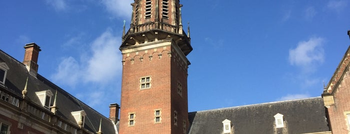 Simon Lévelt is one of Leiden.