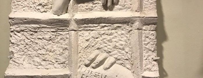 Nâzım Hikmet Kültür Merkezi - Maltepe is one of Lieux qui ont plu à Mehmet.