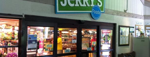 Jerry's Foods of Sanibel is one of Lugares favoritos de John.
