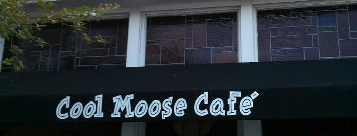 Cool Moose Cafe is one of Tempat yang Disukai Rhodé Amira.