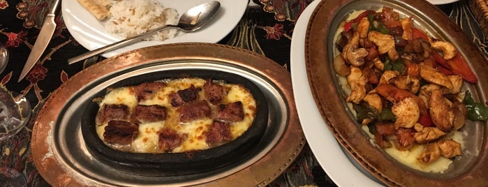 Old Ottoman Cafe & Restaurant is one of Locais curtidos por Alex.