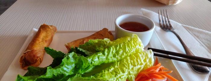 Basilic Vietnamese Grill is one of Tempat yang Disukai Levente.