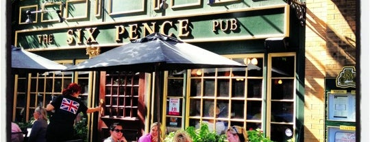Six Pence Pub is one of savannah.