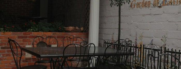 Casa Barron's is one of Emily : понравившиеся места.