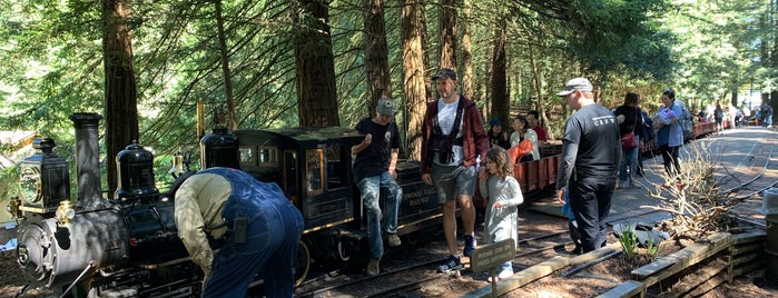 Redwood Valley Railway is one of Pour Lea.