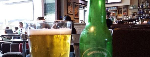 Aquila Caffe Bar is one of Locais salvos de Fahad.