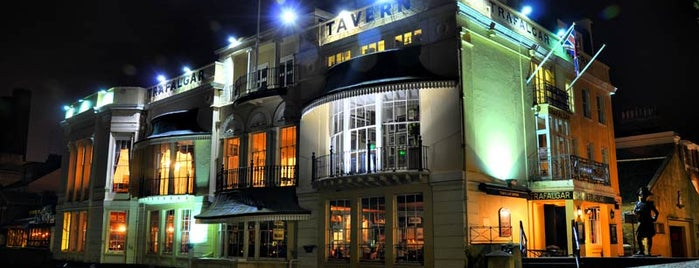 Trafalgar Tavern is one of London.
