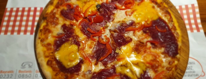 Pizza Rucola is one of İzmir.