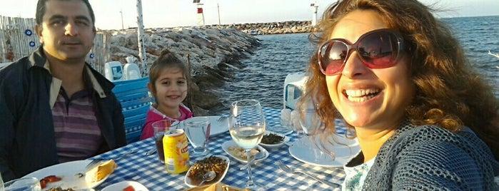 Denizkızı Restaurant is one of İzmir'de yeme içme sanatı.