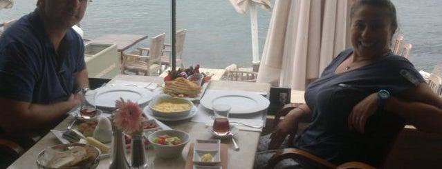 La Folie Güzelbahçe is one of İzmir'de yeme içme sanatı.