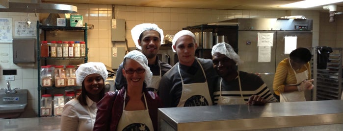 New York City Rescue Mission is one of NYC Food Pantries.