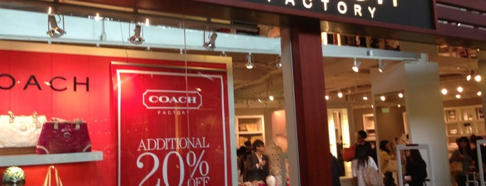 COACH Outlet is one of Lugares favoritos de Yodpha.