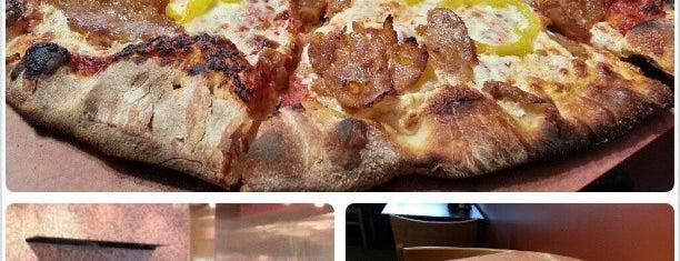 Coal Fire Pizza is one of Alinka: сохраненные места.