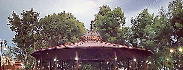Jardín Hidalgo is one of Lugares favoritos de Ricardo.