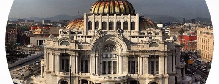 Palacio de Bellas Artes is one of Orte, die Ricardo gefallen.