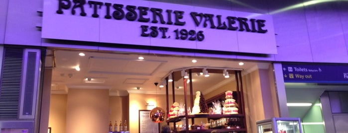 Patisserie Valerie is one of Locais curtidos por Sir Chandler.