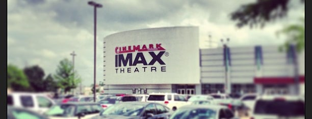 Cinemark is one of Locais curtidos por Krystal.