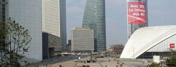 Esplanade du Général de Gaulle is one of Lugares donde estuve en el exterior.