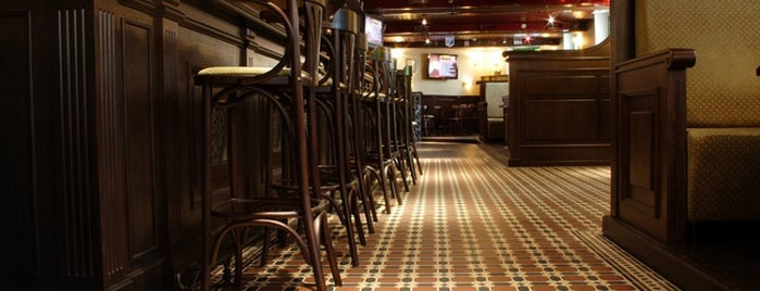 Daddy's Irish Pub is one of Vladimir 님이 저장한 장소.