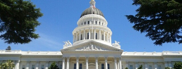 California State Capitol is one of Aaronさんの保存済みスポット.