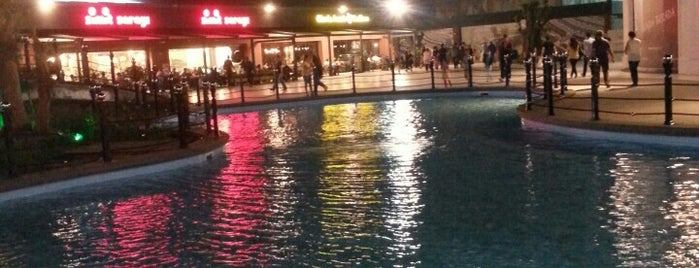 Viaport Marina Outlet is one of Istanbul.