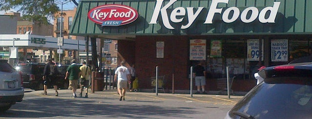 Key Food is one of Locais curtidos por Ailie.