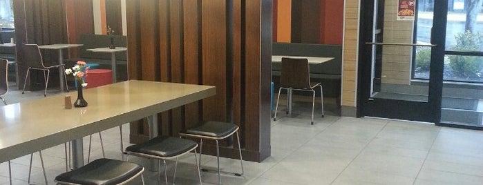 McDonald's is one of Orte, die Matt gefallen.