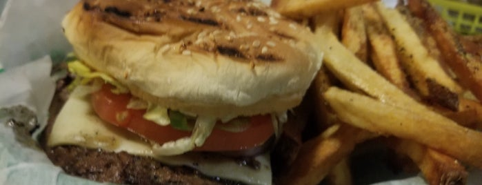 P.T.'s Olde Fashioned Grille is one of Wilmington.